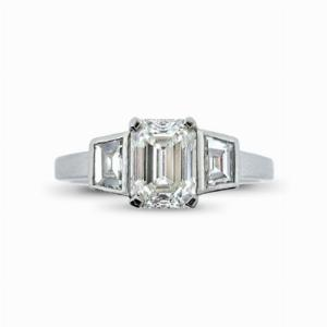 Emerald Cut Diamond Ring With Trapeze Cut Diamond Shoulders 1.03ct G VS1 GIA